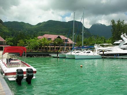 Seychely, Ostrov Mahé - přístav